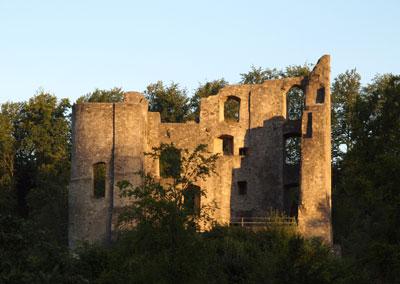 Ruine im Abendlicht